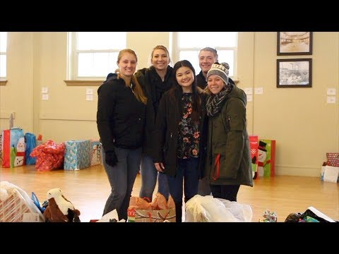 Emerging Leaders Give Back Gifts