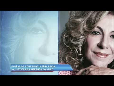 Hora da Venenosa: família de Marília Pêra briga na justiça por herança da atriz