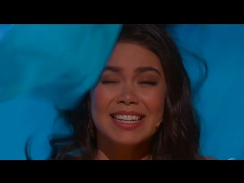"Moana Star Auli'i Cravalho Gets Hit In The Head During 2017 Oscars Performance ""How Far I'll Go"""