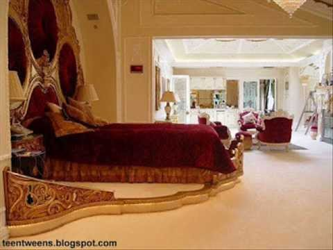 Attirant Shahrukh Khan Golden House In Dubai