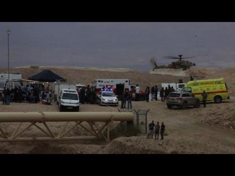 Les secours sur les lieux où 9 jeunes israéliens sont morts