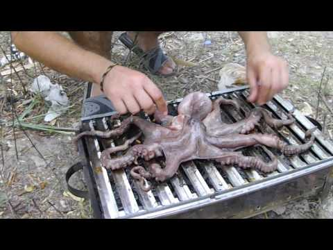 How To Barbecue ( Grill) Octopus