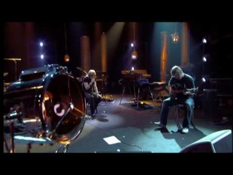 Portishead - Wandering Star (LIVE recording at Studio 104)