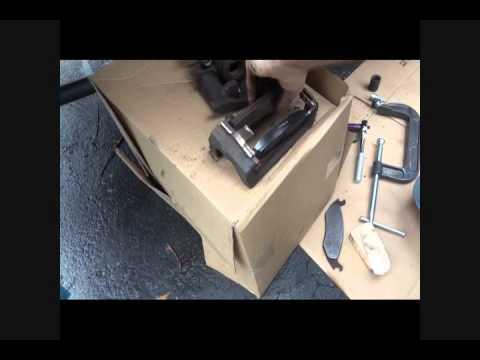 how to change 2004 dodge durango rear brake pads youtube. Black Bedroom Furniture Sets. Home Design Ideas