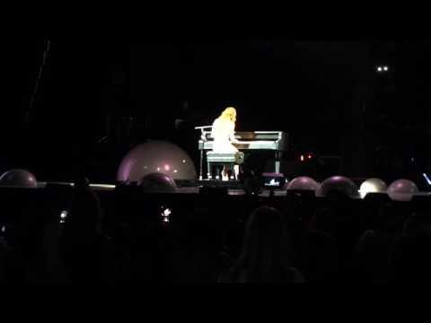 Selena Gomez Revival Tour Houston - http://bit.ly/2BuUAGT