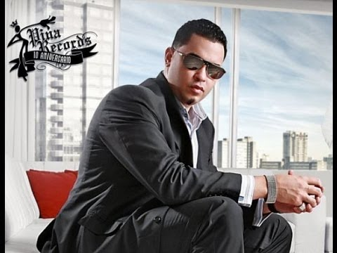 Raphy Pina Entrevista Con AJ El Kallejero...