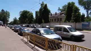 Через відсутність облаштованих паркувальних місць, водії  порушують правила дорожнього руху