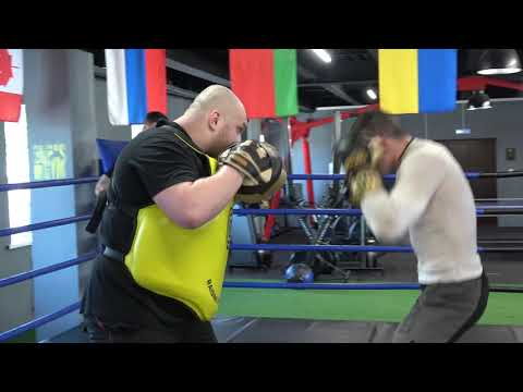 Future Boxing Champ Aleksei Papin (Former Kick Boxing Champ) EsNews Boxing