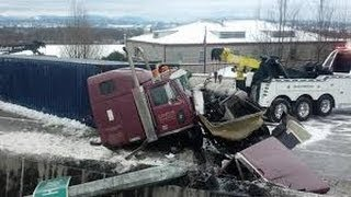 Compilation d'accident de camion #4 / Truck crash compilation 4