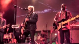 "Tom Cochrane - ""Life Is A Highway"" live at the Andy Kim Christmas Show 2015"