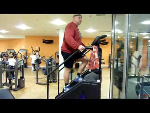 Treppen-Steigen im Fitnessstudio