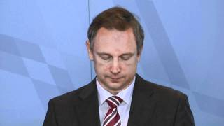 Rücktrittsrede Fahrenschon Rücktritt + Söder Finanzminister mit Medienauflauf 03.11.2011