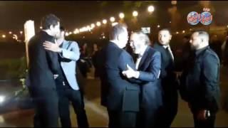 أخبار اليوم | محمود ياسين ورامز جلال في عزاء الراحل محمود عبد العزيز