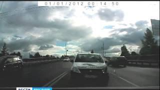 В соцсетях появилось видео с места аварии на Октябрьском мосту