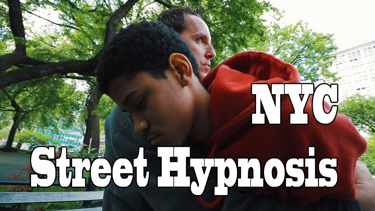 Comedy Stage Hypnotist performs crazy street hypnosis in NYC Cool Vlog