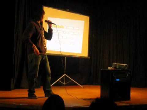 Samuel en el karaoke de la EIA #3 del INBA
