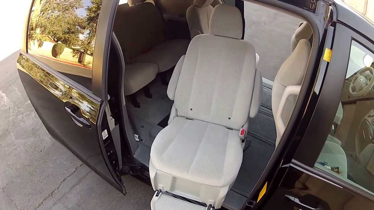 2012 Toyota Sienna auto access seat van disabled person lift seat ...