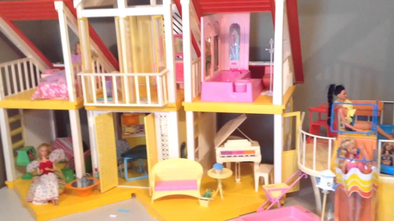 Princess Aurora Is Giving A Tour Of The Vintage Barbie Frame Dream House And Swimming Pool