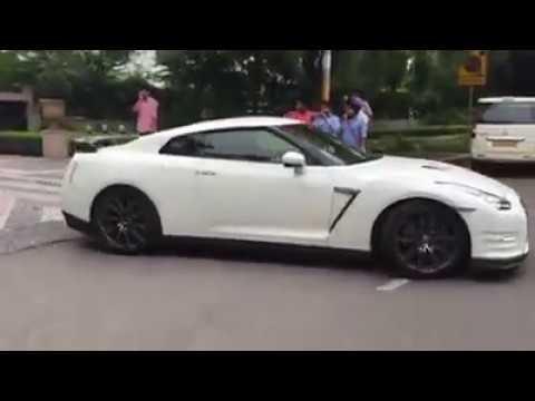 Mukesh Ambani car collection in mumbai