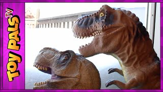 DINOSAUR Snowball Fight with GODZILLA, T-REX and Indominus Rex Toys Video for Kids