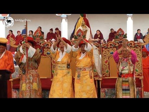 གཅུང་པོ་དོན་ཡོད་དོན་གྲུབ་ཀྱི་འཁྲབ་གཞུང་ངོ་སྤྲོད། Mundgod Lhamo Troupe and 'Chungpo Donyo Dhundup'