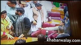PTI Chairman Imran Khan arrive National Assembly and discuss issues with Amir Liaqat.