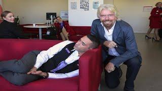 ذكاء الملياردير ( ريتشارد برانسون ) عندما وجد احد موظفية نائما ؟؟