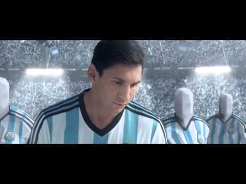 Giày Bóng Đá Mới Nhất Của Messi