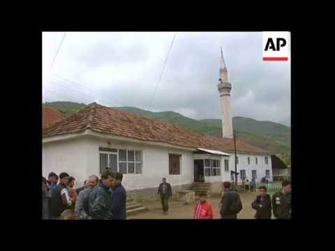MACEDONIA: KOSOVO: REFUGEES TELL OF SERB ATROCITIES