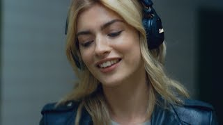 Marshall - Mid Active Noise Cancelling Headphone - Tune Out Campaign  Subway - English