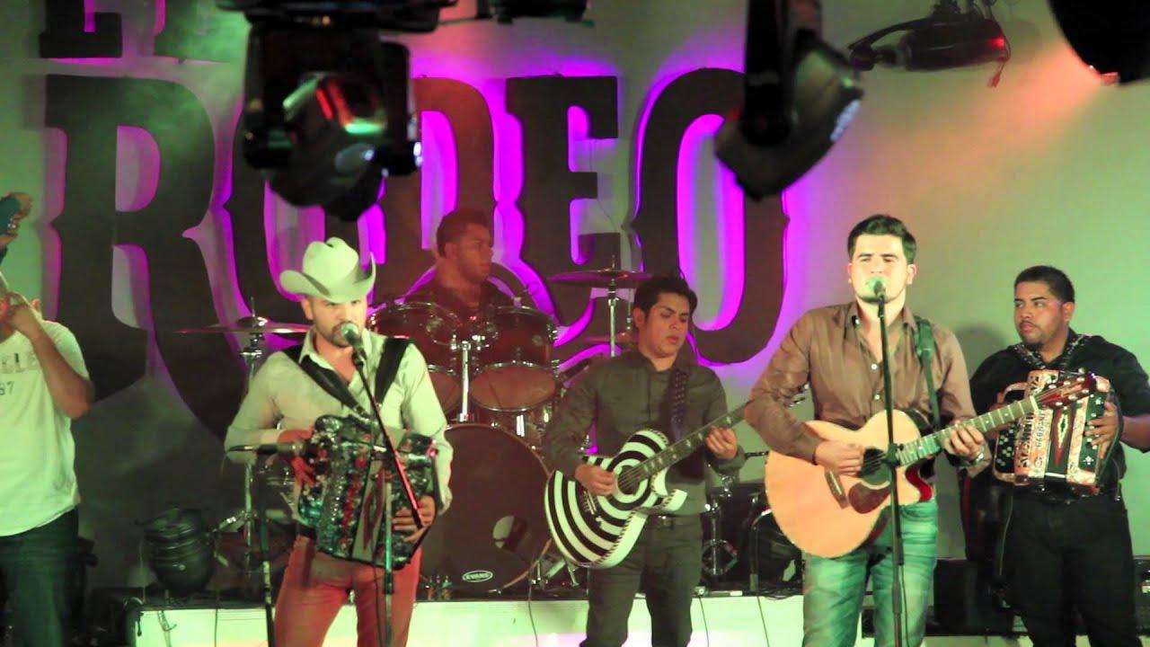 Quot Vale La Pena Quot Los Rodriguez De Sinaloa En El Rodeo Night