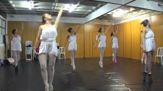 Ensaio Ballet Moderno.