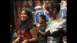 Belah Duren Ike Lorentia,OM MONATA LIVE Ds.sukorejo..