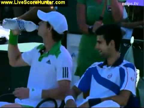 Chatty Djokovic Murray During The Changeover At 2011 Seo Youtube