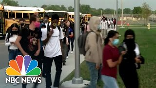 Florida Students Return To School Amid Debate Over Masks In Classrooms