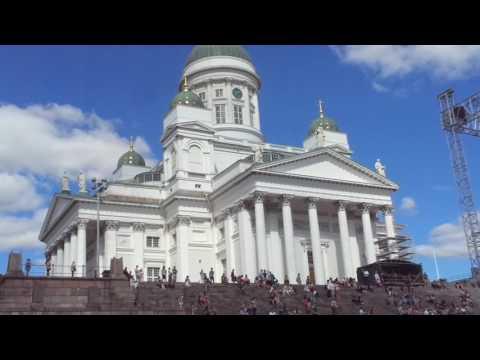 Stroll through Senate Square in Helsinki Finland with Eva's Best Luxury Travel!