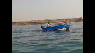 deux canot breton moteur 6CV Johnson retour de pêche cap gris nez
