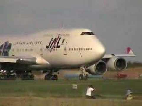 Decolagem Japan Airlines - Com fonia.