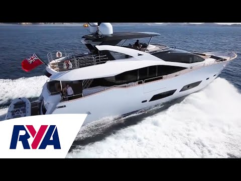 Boat Tour - Sunseeker 28 Metre Yacht at the Southampton Boat Show - Luxury Motor Cruiser