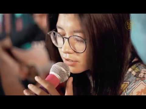 Senandung Maaf - White Shoes & The Couples Company - Angell ft Dhani (Live Recording)