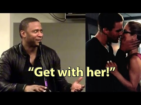 Arrow Diggle wants Oliver & Felicity Olicity Shipper together David Ramsey Phoenix Comicon Amell