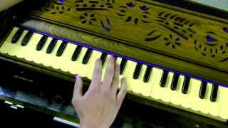 How to play - Raghupati Raghav Raja Ram on Harmonium/Keyboard (with notes)