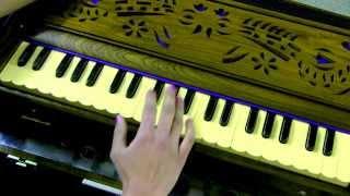 How to play - Raghupati Raghav Raja Ram on Harmonium/Keyboard (with notes)