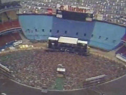cleveland-municipal-stadium-hosts-the-world-series-of-rock