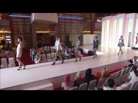[Live Recorded] Fashion Show by Sarinah