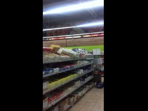 Жесть! Воробьи в Варусе едят печенье. Днепропетровск