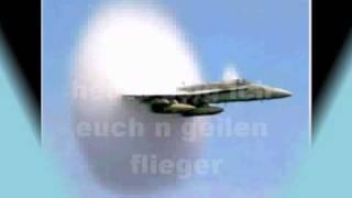 Flugzeug durchbricht Schallmauer