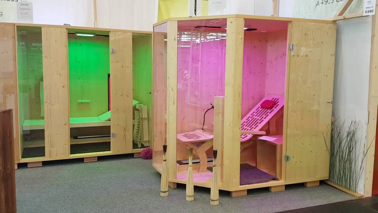 infrarotkabine liegekabine mit ergonomischer und gerader liege auf der messe bei gurtner. Black Bedroom Furniture Sets. Home Design Ideas