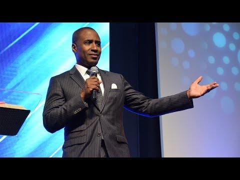Dr. Norman Thomas · Viernes de Milagros