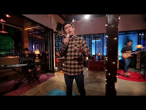 Cakra Khan - Opera Tuhan (Live at Music Everywhere) **